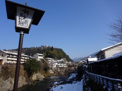 150105郡上八幡①、吉田川と郡上八幡城 (コピー).JPG