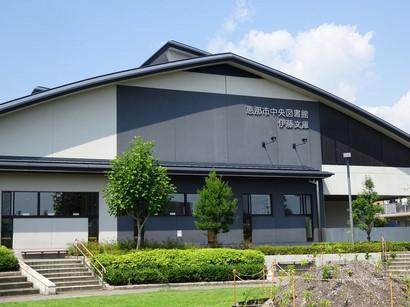 150730恵那市中央図書館② (コピー).JPG